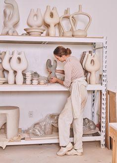 Editorial   Vince Pottery Mugs, Ceramic Pottery, Pottery Art, Creative Decor, Creative Studio, Ceramic Store, Ceramic Workshop, Composition Design, Ceramics Projects