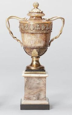 A century gilt bronze mounted Derbyshire feldspar or Blue John twin handled garniture Urn Classic Furniture, Fine Furniture, Decoration, Art Decor, Castleton Derbyshire, Decorative Objects, Decorative Vases, John Stones, Granite Stone