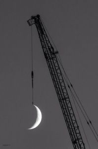Forced Perspective Photography - Hung the moon