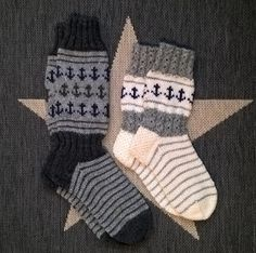 Knitting Projects, Knitting Patterns, Knitting Socks, Handicraft, Mittens, Christmas Stockings, Diy And Crafts, Slippers, Wool