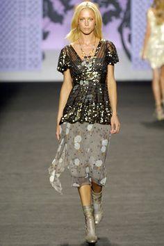 Anna Sui Spring 2006 Ready-to-Wear Fashion Show - Raquel Zimmermann
