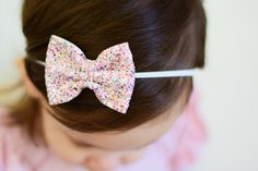 Birthday cake Funafuti glitter bow