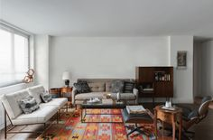 The Five Steps to a Beautifully Designed Living Room