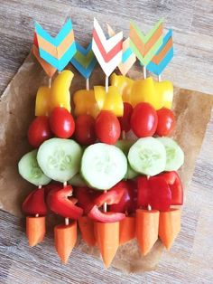 Indian party for the twin children's birthday party - dorfmama. Birthday Party Snacks, Fairy Birthday Party, Boxing Theme Party Ideas, Cheap Party Decorations, Halloween Food For Party, Twin Halloween, Indian Party, Decoration Originale, Frozen Birthday Party