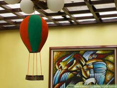 How to Make a Decorative Hot Air Balloon: 8 Steps (with Pictures)
