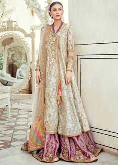 Mahenur Haider looking very beautiful 😍😘❤️ wearing beautiful luxury formal embroidered dress Pakistani Wedding Outfits, Pakistani Wedding Dresses, Pakistani Dress Design, Wedding Hijab, Desi Wedding, Bridal Outfits, Wedding Wear, Nikkah Dress, Shadi Dresses