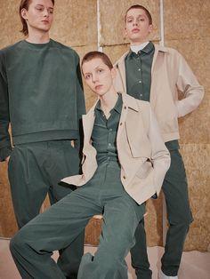 Hien Le unveiled its Fall/Winter 2017 lookbook, featuring Christopher Paskowski at Mega Models, Anton at Izaio Models and Jil at PMA, shot by Jana Gerberding and styled by Jasmin Meyer Juershof. Make-up: Julia Barde Hair: Eva Dieckhoff