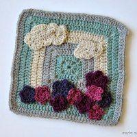 http://www.maybematilda.com/2014/11/flower-garden-granny-square.html#.VFjzIPTF_bk