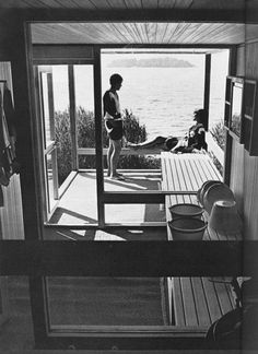Marimekko's pre-fab sauna.  Designed in the 60's by Aarno Ruusuvuori. Only a few were made.  I like how the bench goes through to the outside.