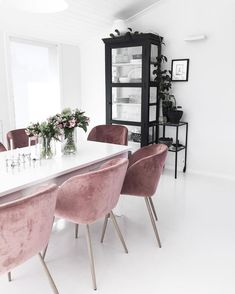 | Wish you a lovely sunday |  I like the new touch of pink in my kitchen |  ______________________________________________________