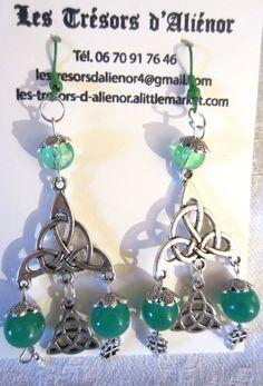 """Boucles d'Oreilles avec Connecteur  """"Triquetra"""" Symbole Celte qui représente un groupe de trois personnes ou de trois objets en métal"""