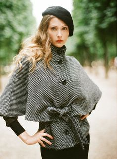 beret-and-cape-outfit.jpg (600×815)