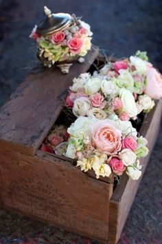Si te gusta una Boda Rústica aquí te dejamos algunas originales ideas de decoración con cajas de madera.