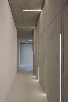 modern corridor design with concrete floor and indirect . modern corridor design with concrete flo Corridor Lighting, Indirect Lighting, Linear Lighting, Interior Lighting, Home Lighting, Club Lighting, Lighting Concepts, Wall Lighting, Strip Lighting