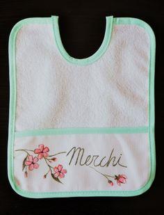 """Babero """"Primavera"""".  Y también disponibles merceditas a juego: http://lolitalunakids.files.wordpress.com/2013/10/lolitaluna-merceditas-mercedes.jpg"""