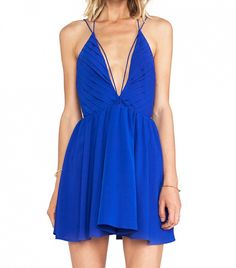 A brilliant blue for girls' night out! // Riptide Dress by Keepsake