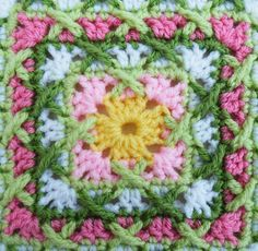 Kiss Fist Square - Free Pattern