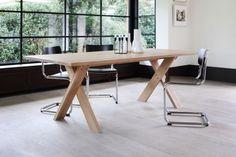 Pettersson Eg spisebord hos BoShop - 12.000 kr. - http://www.boshop.dk/borde/spiseborde/ethnicraft-pettersson-eg-spisebord.html