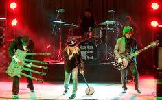 Robin Zander and Rick Nielsen Photos - Classic Rock Roll Of Honour - Show - Zimbio
