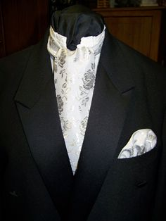 """Ascot or Carvet gray rose brocade print 4"""" x 52"""" Mens Wedding, cravat tie with matching pocket puff by civilwarlady on Etsy"""