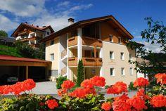 Долина Фунес – #Италия #Трентино_Альто_Адидже (#IT_32) Долина Фунес - кусочек Италии, больше похожей на Швейцарию.  ↳ http://ru.esosedi.org/IT/32/1000215299/dolina_funes/