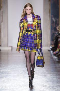 580 fantastiche immagini su look alla moda   Fashion clothes ... 4e0693a30c7