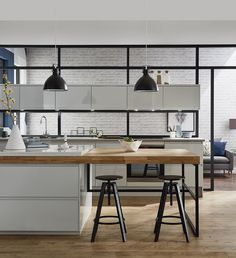 Open up your home with our kitchen-diner ideas and enjoy the relaxed flow of an open-plan kitchen. Breakfast Bar Worktop, Breakfast Bar Kitchen, Breakfast Bars, Open Plan Kitchen, Kitchen Layout, Kitchen Ideas, Kitchen Decor, Kitchen Extension With Island, Kitchen Island