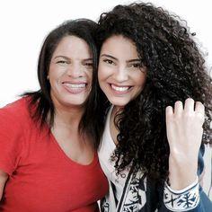 Gente vocês já viram o vídeo que eu fiz com a minha mãe lá no canal? Pensem numa mulher tímida em frente às câmeras kkkkk fizemos um bate papo bem legal deem uma olhadinha lá