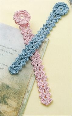 [Free Pattern] This Easy Shell Bookmark Is The Perfect Gift For Any Book Lover! - Knit And Crochet Daily crafts bookmarks [Free Pattern] This Easy Shell Bookmark Is The Perfect Gift For Any Book Lover! - Knit And Crochet Daily Crochet Cross, Thread Crochet, Knit Crochet, Crocheted Lace, Easy Crochet, Bracelet Crochet, Confection Au Crochet, Crochet Bookmarks, Crochet Bookmark Patterns Free