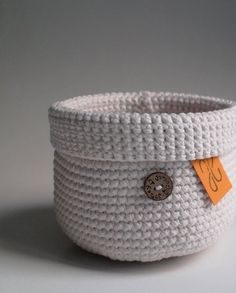 Crochet Baskets, Instagram Bio, Coin Purse, Make It Yourself, Purses, How To Make, Handmade, Handbags, Hand Made