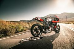 Ducati 749 Cafe Racer Half Fairing - Photo by Folk Photography #motorcycles #caferacer #motos | caferacerpasion.com