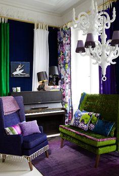 home interior decor ideas Room Colors, House Colors, Jewel Tone Decor, Colourful Living Room, Designers Guild, Interior Design Inspiration, Soft Furnishings, Colorful Interiors, Living Spaces
