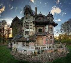 Creepy abandoned castle. I would have loved it :(