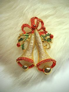 Vintage Christmas Bells Pin Gold Tone Brooch Holiday Jewelry