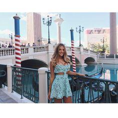 """Cheguei Las Vegas! Que sonho! apaixonada pelo meu vestido que combina com Venetian ahhahaa @missmissesmodas"""