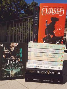 ★ Chiara's Book Blog ★: In My Mailbox #10 Frank Miller, Edward Cullen, Krystal, Mailbox, Twilight, Books, Art, Art Background, Mail Drop Box