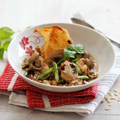 Hendlragout Austrian Recipes, Austrian Food, Japchae, Tacos, Mexican, Chicken, Meat, Ethnic Recipes, Credenzas