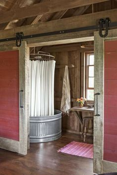 You're Going to Lose Your Mind Over the Inside of This Barn – Loft İdeas 2020 Primitive Bathrooms, Rustic Bathrooms, Chic Bathrooms, Bathroom Vanities, Barn Loft Apartment, Silo House, Farm House, Barn Bathroom, Basement Bathroom