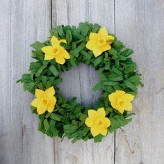Felt Daffodil Wreath Tutorial
