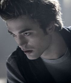 Edward Anthony Masen Cullen Twilight 2008, Twilight Edward, Twilight Series, Twilight Movie, Edward Cullen, Bella Swan, Robert Pattinson Twilight, Twilight Pictures, Lin Manuel Miranda