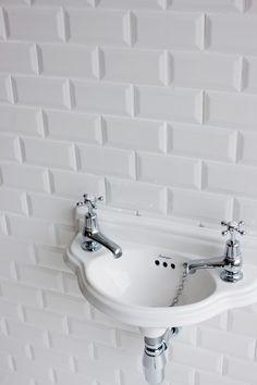 Burlington Edwardian Curved Cloakroom Basin available at UK Bathrooms. Cloakroom Sink, Bathroom Taps, Cloakroom Ideas, Bathroom Showers, Traditional Baths, Traditional Bathroom, Burlington Bathroom, Tiffany, Wall Mounted Basins