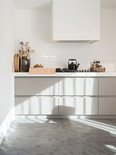 Kitchen Rules, Smart Kitchen, Kitchen Interior, Kitchen Decor, Kitchen Design, Kitchen Organization, Kitchen Storage, Functional Kitchen, Living Room Kitchen