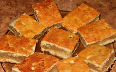 apple pie (placinta cu mere) Vegan Desserts, Dessert Recipes, Albanian Recipes, Romanian Food, Apple Pie, Cornbread, Delish, Bakery, Food And Drink