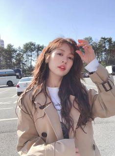 Jung So Min, Military Jacket, Raincoat, Jackets, Fashion, Rain Jacket, Down Jackets, Moda, Field Jacket