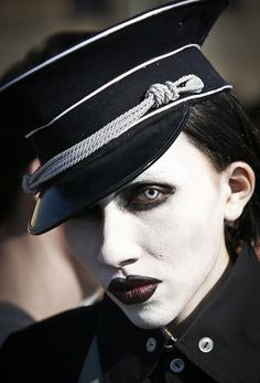 Arte Marilyn Manson, Marilyn Manson Quotes, Grunge, Comic Games, Believe In God, Dieselpunk, Classic Movies, Black Is Beautiful, Rolling Stones