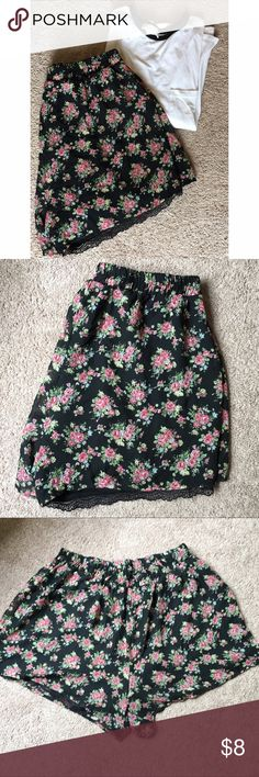 Peek-A-Boo Lace Floral High Waisted Shorts Size 1X These floral high waisted shorts are perfect for the summer! The black peek a boo lace adds a cute touch!!! Size 1X. OFFERS WELCOME! Shorts