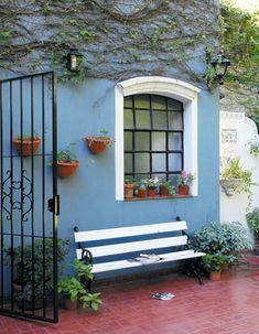 New patio chicos home 58 Ideas Diy Exterior, House Paint Exterior, Exterior House Colors, Small Brick Patio, Pintura Exterior, Mexican Home Decor, Village House Design, Piece A Vivre, Diy Patio