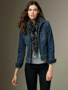 Denim jackets are timeless and versatile. The options are endless when it comes to the denim jacket. Check out our women's denim jacket style collection! Mode Outfits, Winter Outfits, Casual Outfits, Fashion Outfits, Fashion Scarves, Fashion Hair, Womens Fashion, Fashion Trends, Jean Jacket Outfits