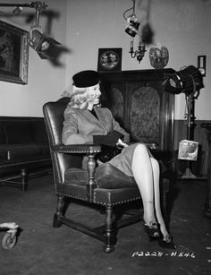 Everyday veil.  Barbara Stanwyck; Double Indemnity, 1944