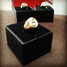 #Anello #argento #iniziale #personalizzato #oro #bianco #giallo #gioielli #lavorazione #artigianale #ring #silver #gold #white #handmade #jewels #goldsmith #artistic #